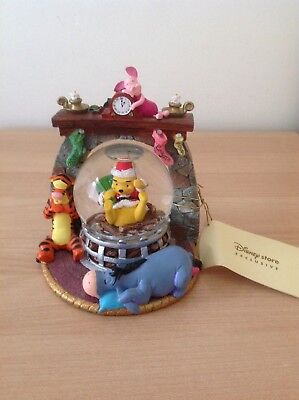Bnwt Collectable Disney Winnie The Pooh & Friends Xmas Fireplace Snowglobe