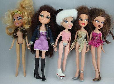Bundle Of Five Bratz Fashion Dolls