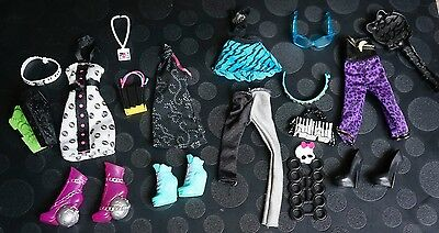 Monster High Dolls Clothes Bundle Dresses/Top/Skirts/Shoes/Bags...Lot 4