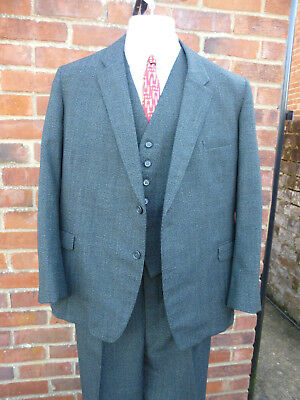 Mens bespoke 1940's style genuine vintage tweed 3pcsuit .Button fly and turn ups