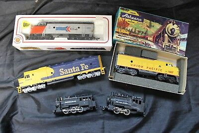 Mixed Lot of 5 Vintage Train Cars Engines