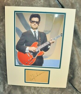 Roy Orbison Matted Display w/ Pre-Printed Copy of an Original Signature