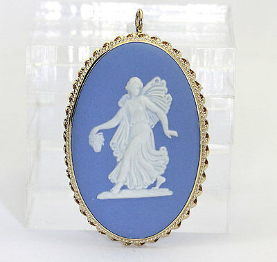 Vintage Wedgwood cameo pin pendant brooch 14K yellow gold oval England signed