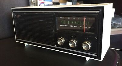 1980 Gold Star RF-1007 Table Radio