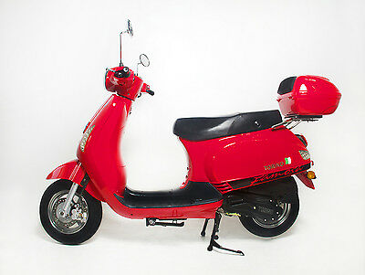 BRAND NEW MY18 TORINO FAMOSA 150CC LAMS SCOOTER RED – $2,990.00 ride away.