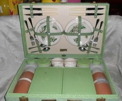 Outstanding Vintage Brexton Made In England 34 Piece Picnic Set
