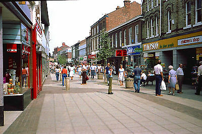 George Street, Altrincham on a Saturday in May 1984 - Vintage image 6x4 postcard