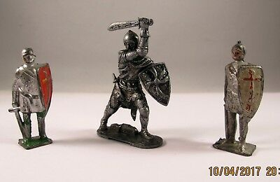 Lone Star Sir Percivale plus two other Knights in Armour