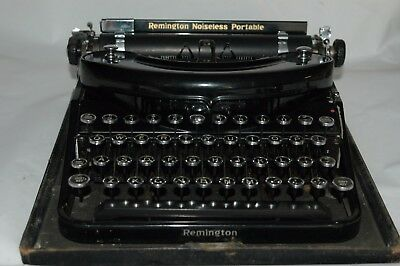 VINTAGE Remington Noiseless Portable Typewriter