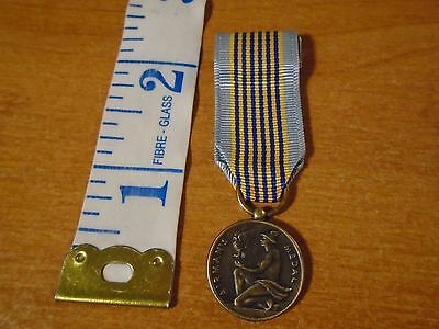 Vintage United States Air Force Airman's Medal Mini Military #1317