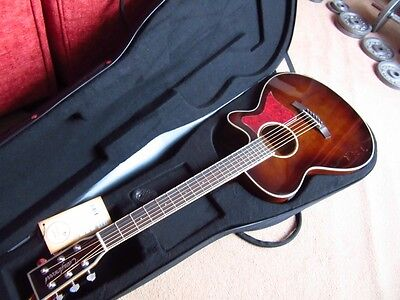 High  Gloss Finished Folk Electro Acoustic Guitar,hard Foam Case Rrp About £430