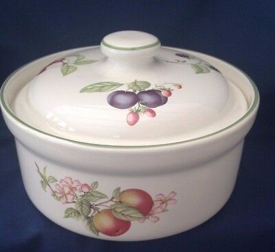 "A MARKS & SPENCER 'ASHBERRY' LIDDED CASSEROLE DISH, 7""x4.5"", VGC"