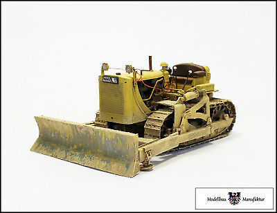 Caterpillar D7 - Fertigmodell - 1:32