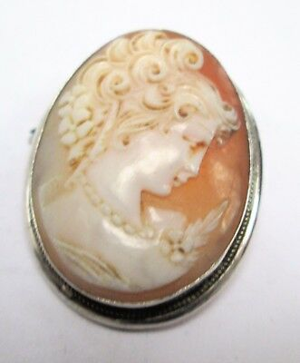 Fine quality vintage 800 silver mounted carved shell cameo brooch
