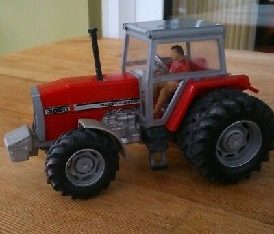 Britains MASSEY FERGUSON 3680 Twin Rear Wheeled Tractor.