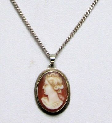 Fine quality vintage sterling silver mounted carved shell cameo pendant + chain