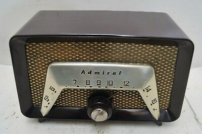 COOL MID CENTURY MACHINE AGE ADMIRAL RADIO RECEIVER w/METAL DIAL SCALE