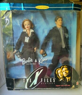 The X Files Giftset Barbie as Agent Dana Scully & Ken as Agent Fox Mulder