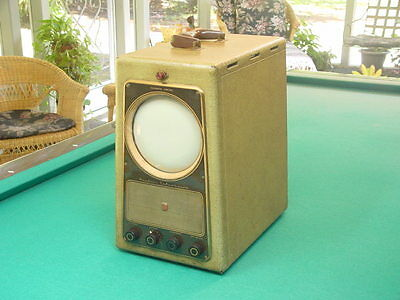 """Vintage 1940's Montgomery Ward's, Airline 94GSE-3015 Portable Porthole 7"""" TV"""