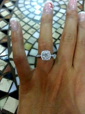Delicated 3ct Round-Cut VVS1 Diamond Halo Engagement Ring Solid 10k White Gold