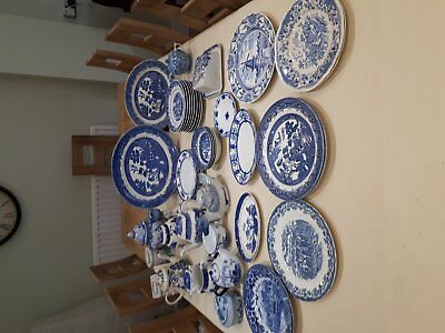 Willow Pattern Crockery / Local Pickup Only