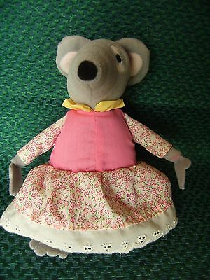 """Bag Puss Small Lizzie Mouse  Soft Toy 7"""" approx vgc but no longer sings"""