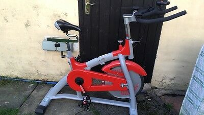 Vfit spin bike (45kg),excellent condition, comes with dvd