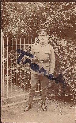Lincolnshire Regiment soldier with swagger stick, great image.