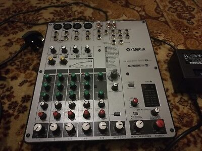 YamahaMW8CX 8-Channel USB Mixer with Compression and FX