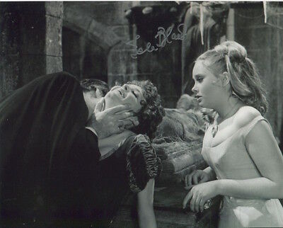 Isla Blair photo signed In Person  - Taste The Blood Of Dracula - B8