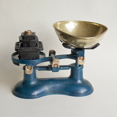 Vintage VICTOR Blue Cast Iron Kitchen Scales & Metric VICTOR Weights FREE UK P&P