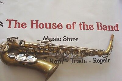 SELMER BUNDY ll ALTO SAXOPHONE IN EXCELLENT PLAY CONDITION