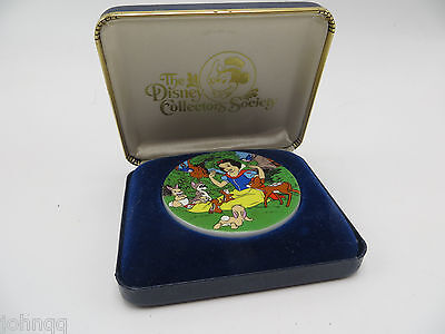 Disney Collector's Society Snow White & Friends 1983 Ceramic Disc Medallion