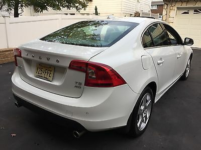 2013 Volvo S60  ***ONLY 30K MILES WOW***