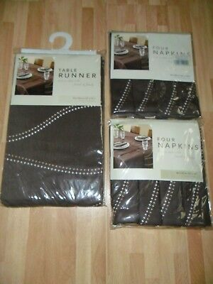 Dunelm  Table  Runner  With  Matching  Set  Of  8  Napkins  * New *