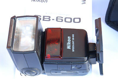 Nikon Speedlight SB-600 Shoe Mount Flash for For Nikon with Box manual and stand