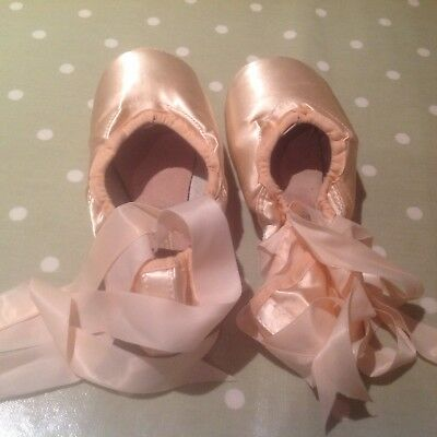 Freed Classic Pro H Ballet Pointe Shoes size 5.5 xxx Good Condition