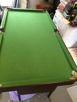 Omega Debut indoor Snooker / Pool Table 4ft with cues And Accessories