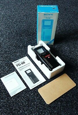 Vintage Sony FD-9B Watchman Flat Black And White Pocket Handheld TV - boxed mint