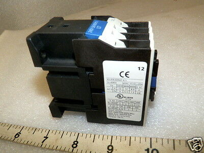12 Amp Magnetic relay / Contactor 240 VAC Coil Volts IEC   4 Pole  inductive