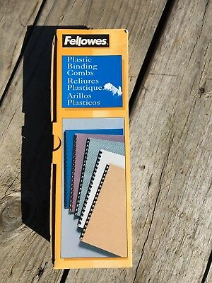 "Fellowes Plastic Comb Binding Spines, 1/4 "" Diameter, Black, 20 Sheets, 100 pk"