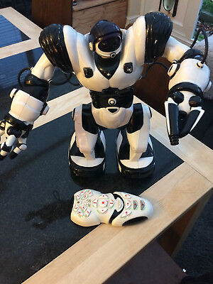 Wow Wee Robosapien. Multi functional large robot with remote control.