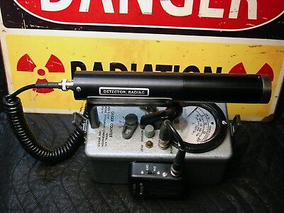 Eberline E-530 Geiger counter with probe and speaker radiation detector  β γ x