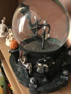 Nightmare Before Christmas Snowglobe Limited Edition 2004