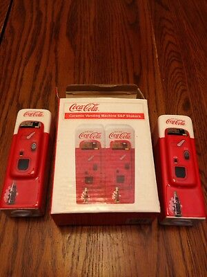 COCA COLA Vending Machine: Collectible Salt and Pepper  Shakers NEW in box