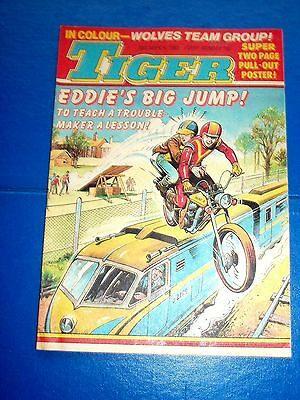 Tiger Comic 1983 With A  Great Wolverhampton Wanderers  F.c. Centrefold Poster