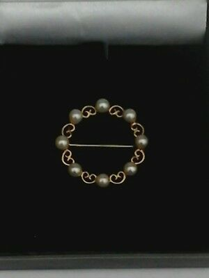 9ct gold pearl brooch