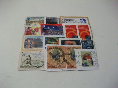 World Charity Kiloware Good Basic Mixture Includes Recent Stamps 470 Grams