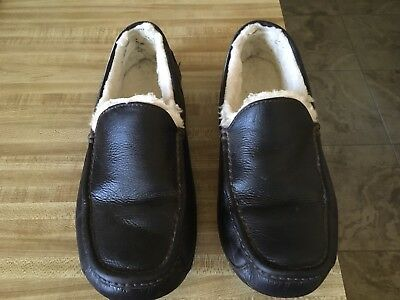 UGG Mens Ascot Brown Leather Slipper  Size 10