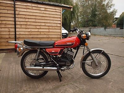 Yamaha rd125  rd 125cc air cooled  twin 2 stroke classic road bike collectors